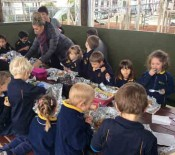 2015 Matariki Juniors eating together